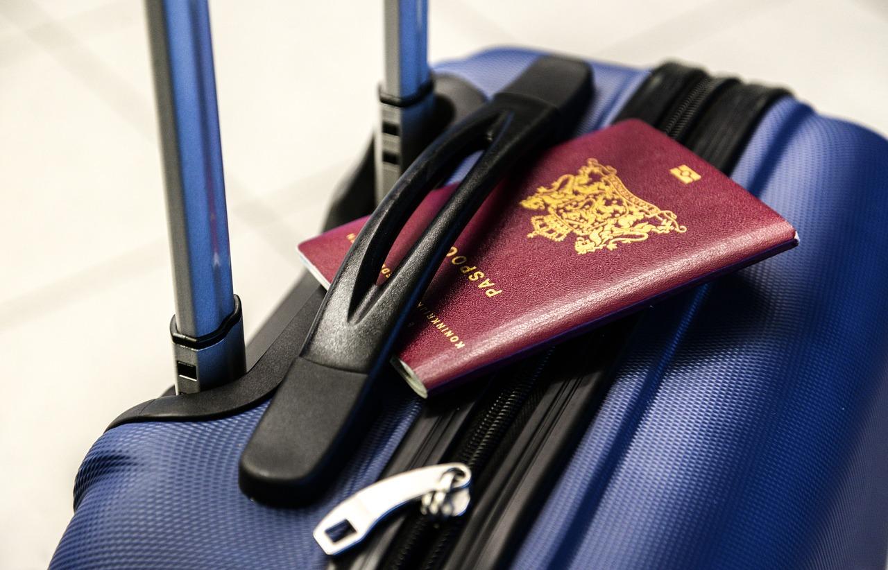 Pierwsze wakacje dziecka – jaką walizkę kupić?